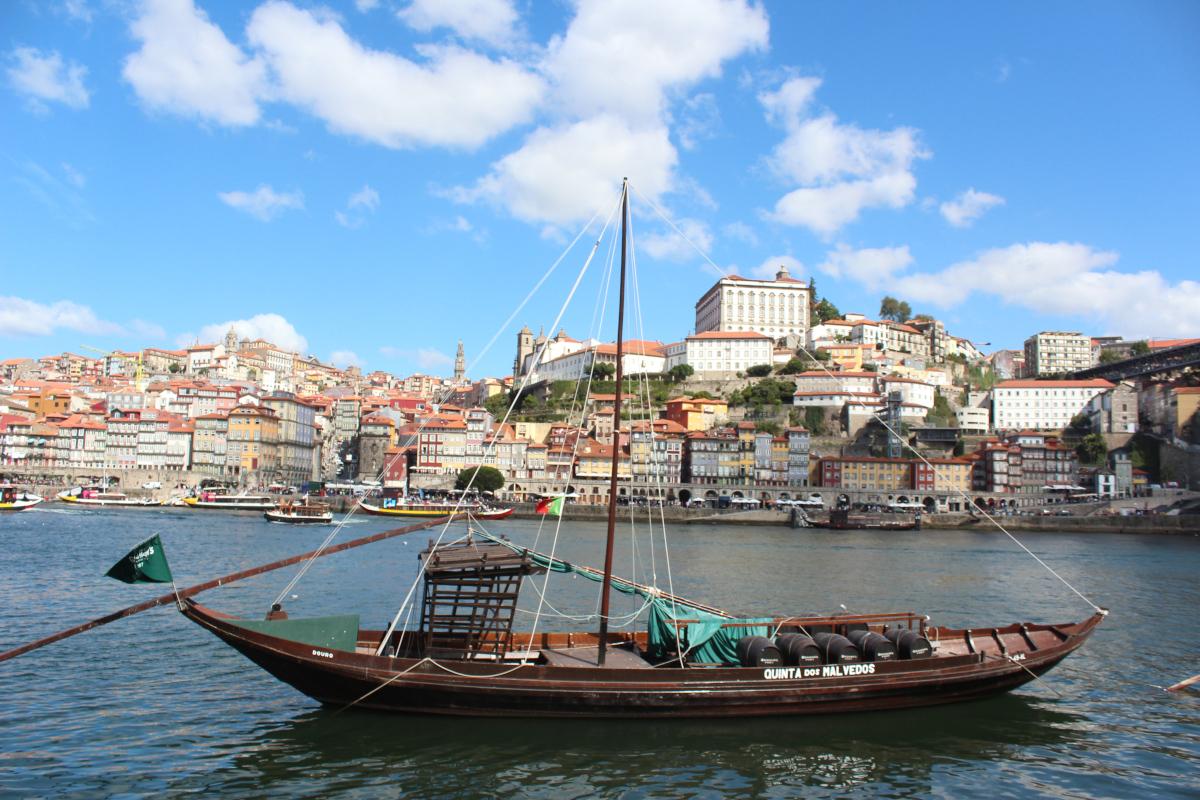 Rabelo boat porto